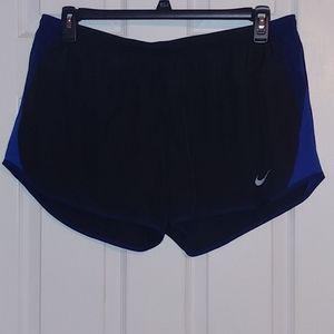 Nike Ladies Shorts Size XL